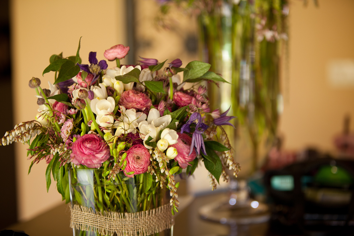 Large Flower Arrangements For Weddings